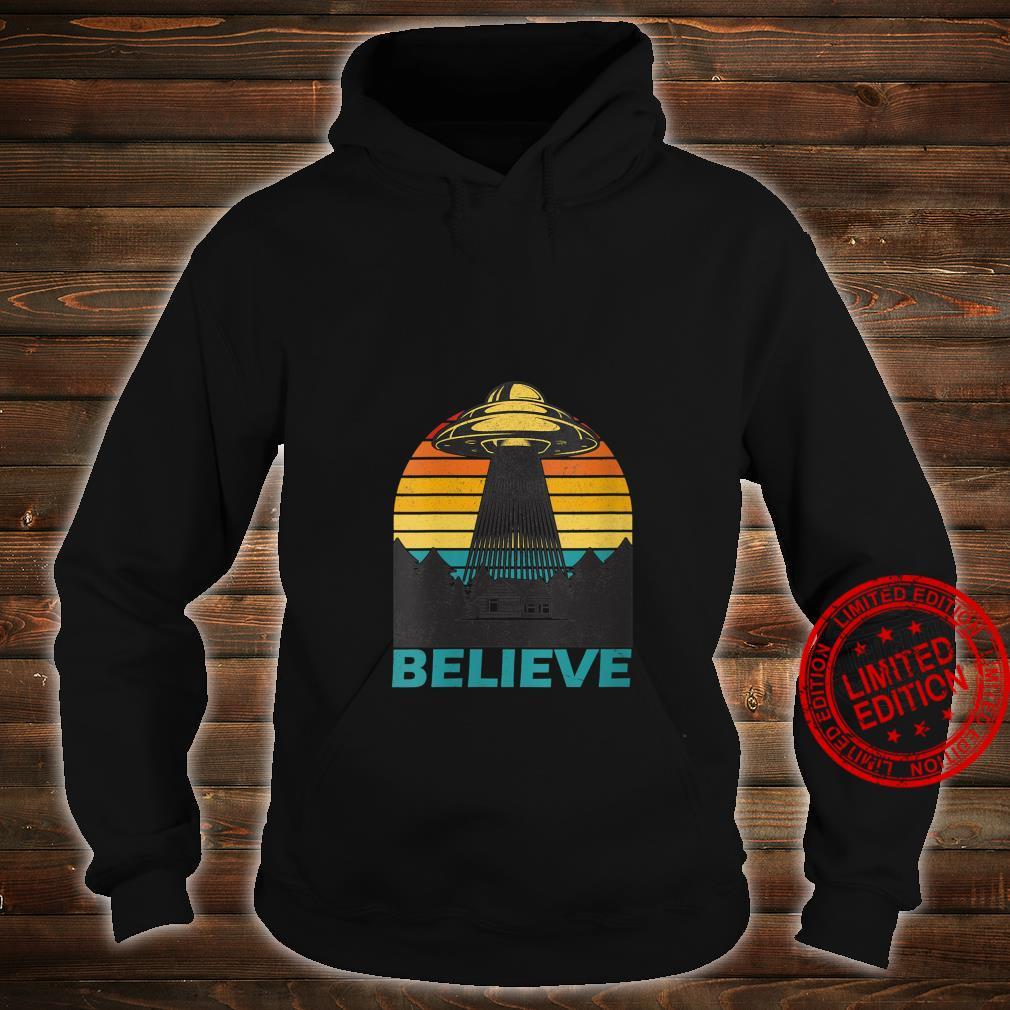 Womens Alien Spaceship UFO Retro Vintage Believe Extraterrestrial Shirt hoodie
